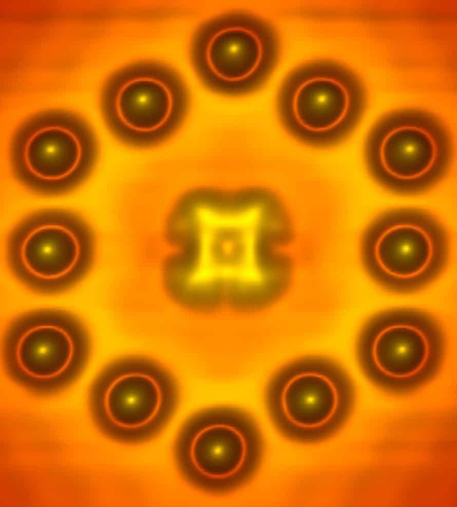 Single molecule transistor