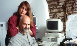 Rhianna and Terry Pratchett at home in 1998.
