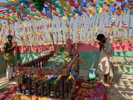Prayers at the bundle shrine