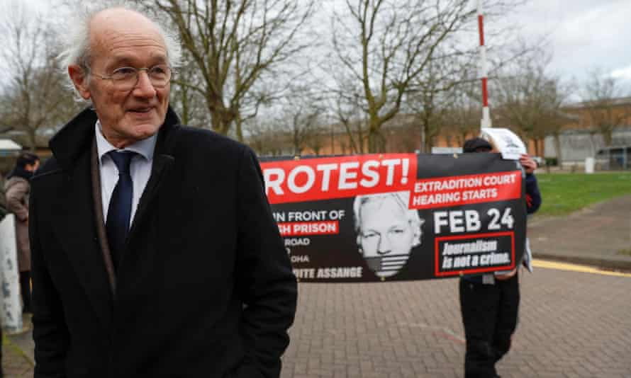 John Shipton leaves Belmarsh prison after visiting his son Julian Assange