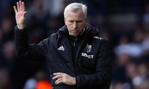 Alan Pardew is due to meet the West Bromwich Albion board on Monday.
