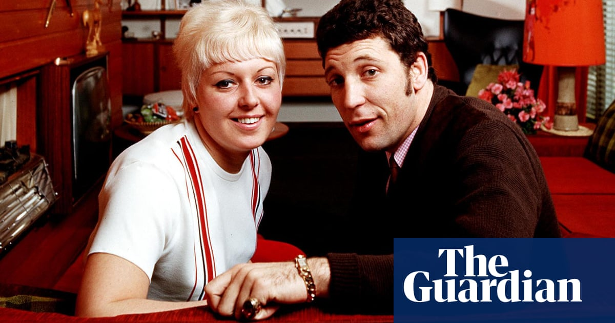 Tom Jones And Wife Linda The Early Years In Pictures Music