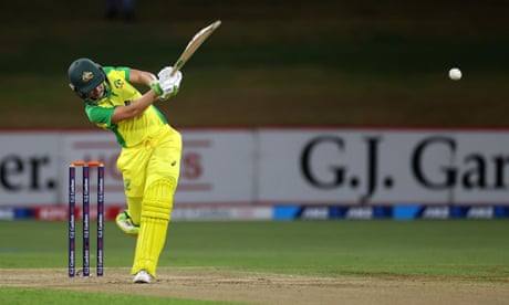 Australia dominates New Zealand with the ball to extend record streak
