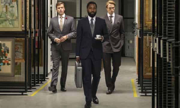 Jack Cutmore-Scott, John  Washington and Robert Pattinson in Tenet