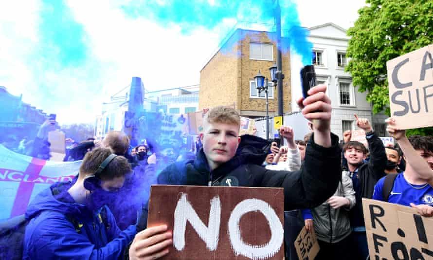 Chelsea fans demonstrate against the European Super League outside Stamford Bridge.