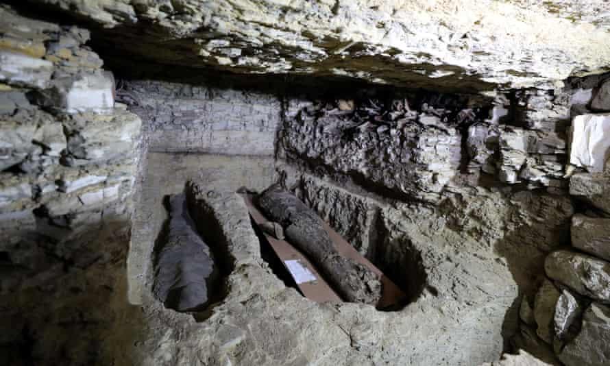 Mummies inside the burial shaft