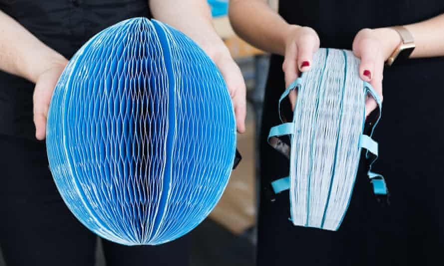 The Ecohelmet folded and unfolded.