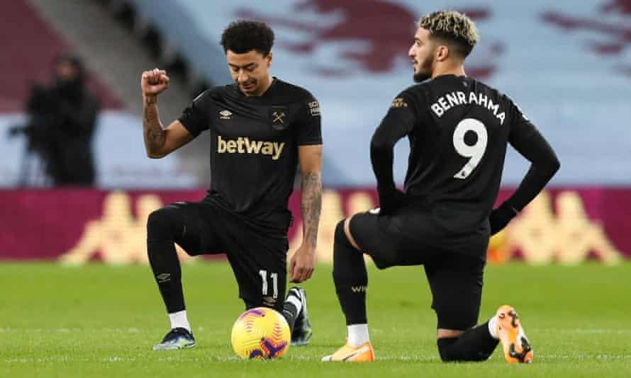 Jesse Lingard (left) and Saïd Benhrahma take the knee before the West Ham win over Aston Villa.
