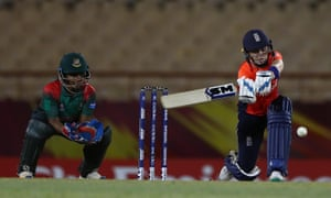 Heather Knight hit two boundaries in the ninth over to get England over the line.