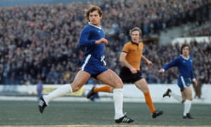 Ray Wilkins during a Chelsea v Wolverhampton Wanderers match, 1976.