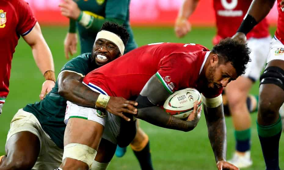 Courtney Lawes tackled by Springboks captain Siya Kolisi in first Test