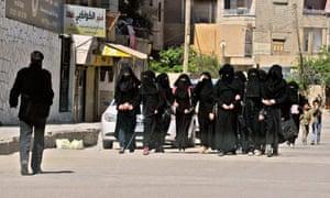 Students wear niqab Raqqa Iraq Islamic State