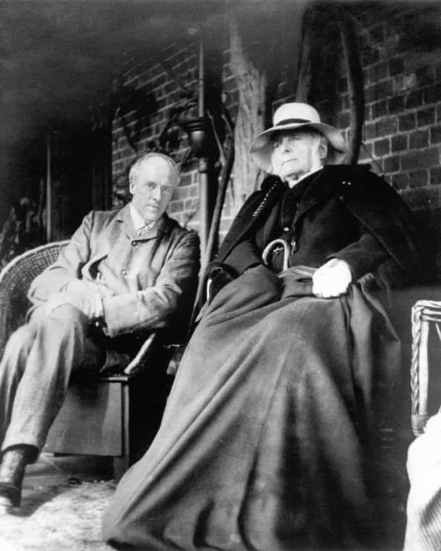 Francis Galton (right) with fellow eugenicist Karl Pearson.