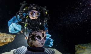 Diver Susan Bird working at Hoyo Negro, an underwater cave on Mexico's Yucatan Peninsula, on the remains of a 12,000- to 13,000-year-old teenage girl who died when global sea levels were much lower.
