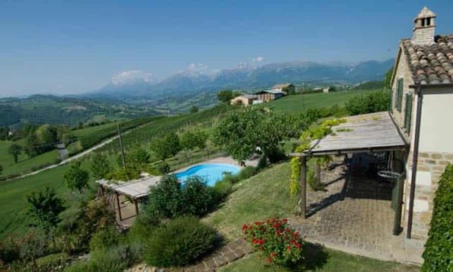 Casa Lola, Italy