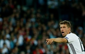 Muller reacts.