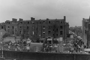 Back of Cheshire Street (Grimsby street) market 1986