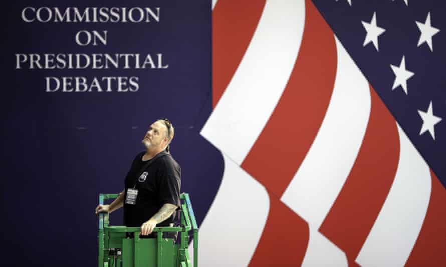 Workers prepare ahead of the second presidential debate