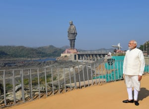 The Indian prime minister, Narendra Modi, poses near the Statue of Unity