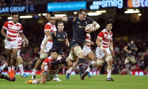 Sam Warburton of Wales scores his team's third try against Japan in Cardiff