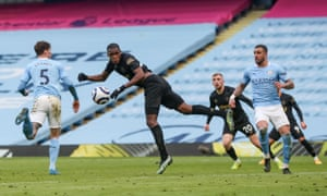 Issa Diop of West Ham United misses a last minute header.