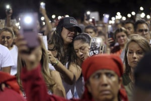 El Paso, Texas: Mourners pray during a vigil at the Hope Border institute