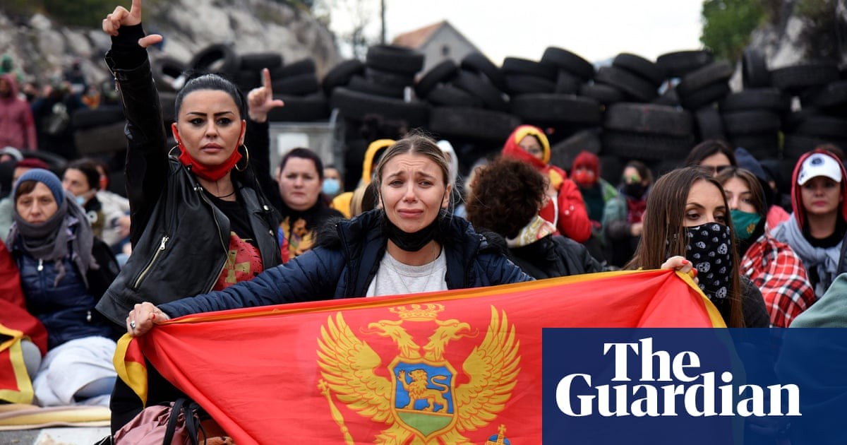 Montenegro police teargas protesters against Serbian Orthodox church