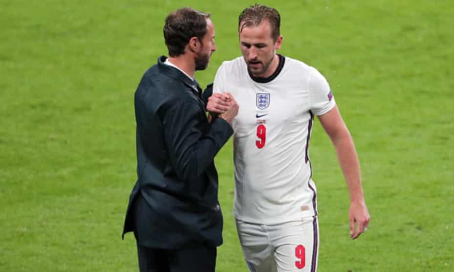 Gareth Southgate and Harry Kane at Wembley 18 June 2021