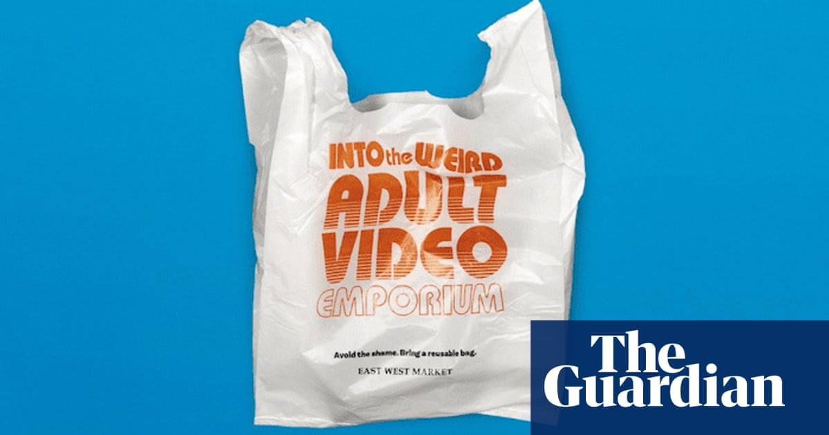Grocery store urges customers to rethink plastic with
