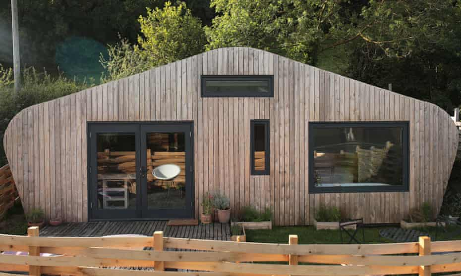 The Red Kite Cabin in Powys