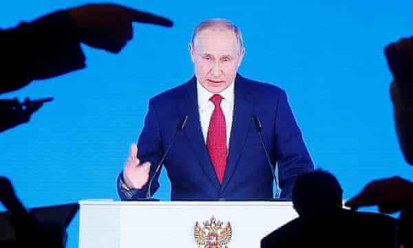 Russian Government Quits As Putin Plans To Stay In Power Past 2024 World News The Guardian