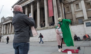 """""""Yoda"""" entertains passers-by in front of the National Gallery in Trafalgar Square."""