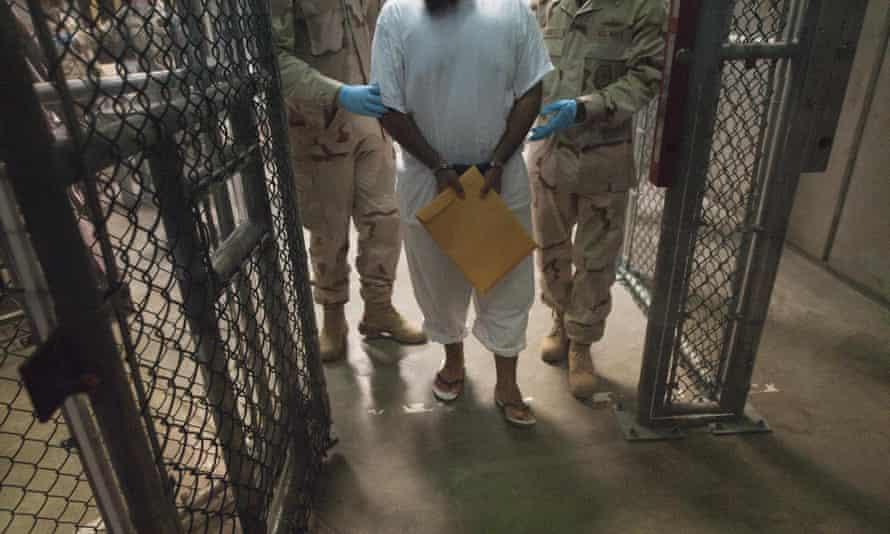 Guantanamo prison transfer