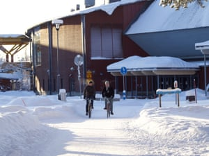 Joensuu compacts the snow base with ploughs for the bike lanes
