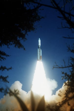 Voyager 2 launched on 20 August 1977, about two weeks before the 5 September launch of Voyager 1