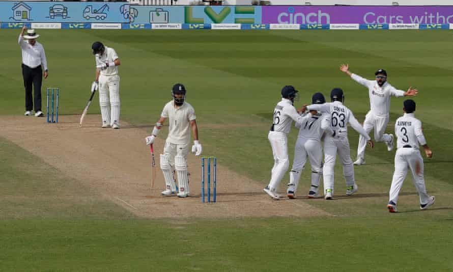 The end of Moeen's last Test innings, caught off the bowling of Ravindra Jadeja at the Oval in September 2021.