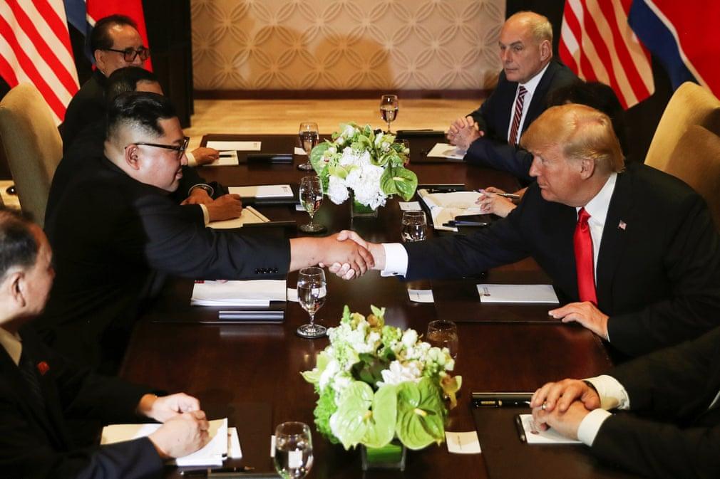 Trump e Kim Jong-un si preparano a iniziare il loro incontro bilaterale a Singapore, 12/06/2018. Credits to: Jonathan Ernst/Reuters.