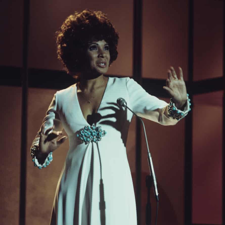 Shirley Bassey in October 1974.