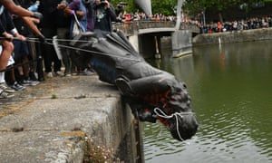 Protesters throw statue of Edward Colston into Bristol harbour