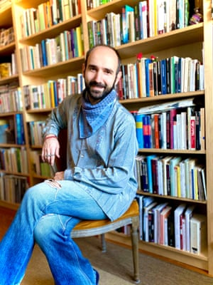 Hakan Karaosman in the shirt he inherited from his father, a scarf from his mother-in-law and his favourite jeans.