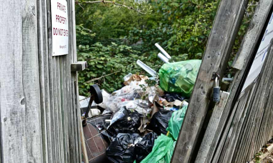 Fly tipping in Botley, Oxford.