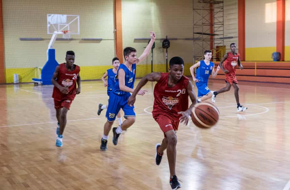 Tam Tam basketball team during a match with the basketball team of Caserta