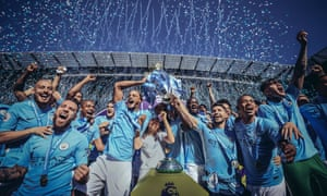 Manchester City lift the Premier League trophy in 2018