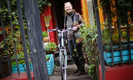 Transport professor Lake Sagaris says the bottom-up approach of cycling groups was unusual for Chile.