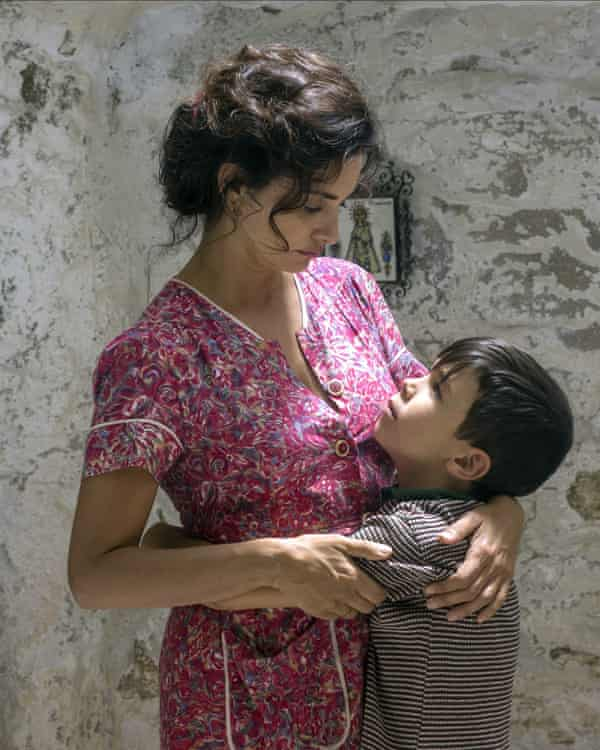 Penélope Cruz and Asier Flores in Pain and Glory, 2019.