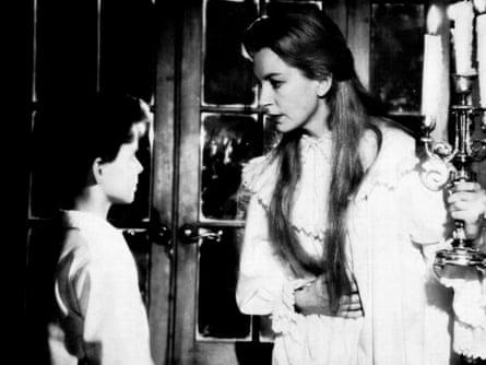 Deborah Kerr starring in the 1961 film The Innocents.
