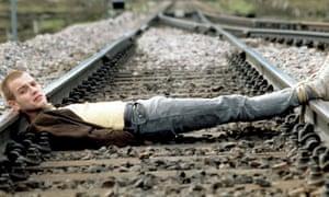 Ewan McGregor in skinny jeans as Renton in Trainspotting.