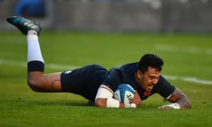 Denny Solomona touches down for the winning try.