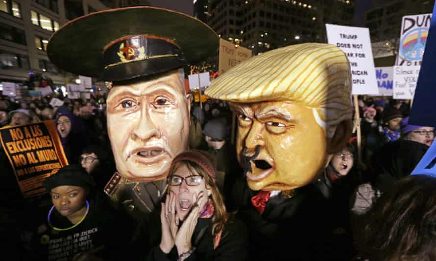 Reports of possible collusion between the Trump administration and the Kremlin have led to a political storm in the US.