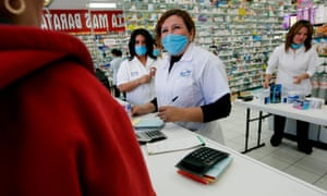 The state of Utah is offering public employees a $500 incentive to buy cheap prescription drugs in Mexico.